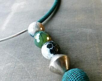 Sale 50 %: Forest green assymetric crochet choker
