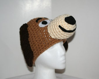 a beagle hat on a manaquin head