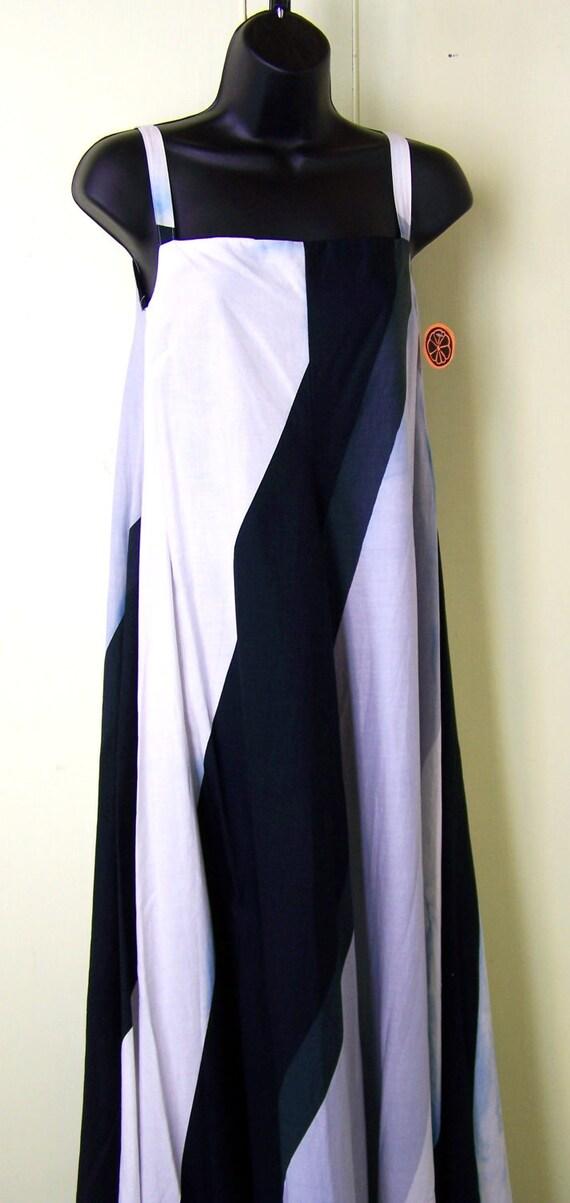 1973 Marimekko Dress/  Maxi Dress black and white /  Finland made /  70s maxi dress