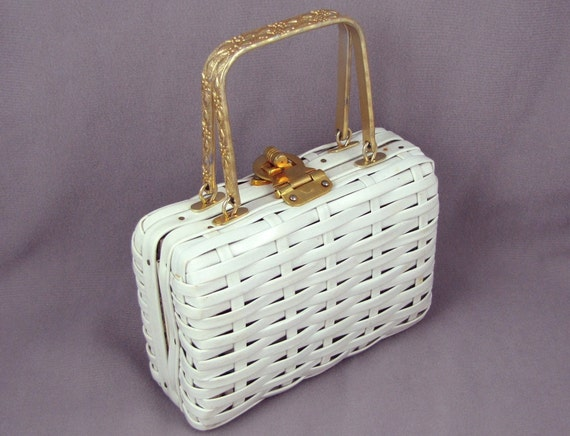 """Petite Purse - Vintage 1960s Tiny White Basket Purse with Gold Metal Handles, Handbag Measures a Wee 3.5""""x5"""", Size of an Index Card"""