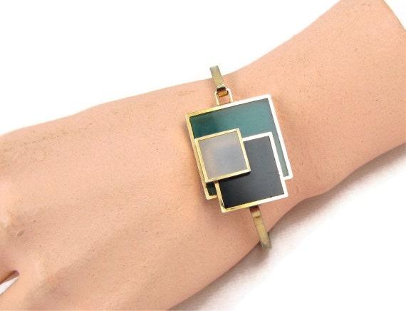 Stacked Squares - Vintage Green Lucite Bangle Bracelet, Modern Overlapping Geometric Design, Klimt / Mondrian Inspired Square Design