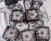 Sweet Vintage Flower Necklace