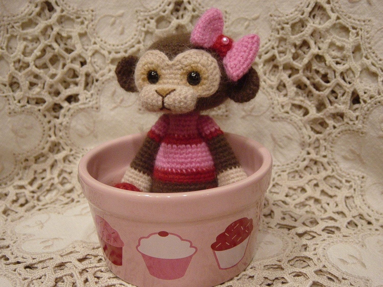 Thread crochet monkey Doll Cupcake
