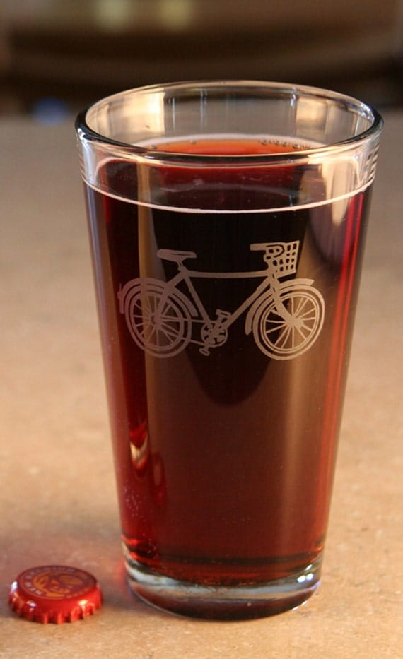 Bicycle with basket etched pint glass