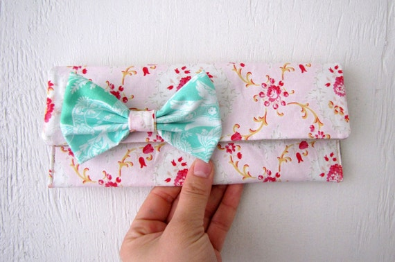 Sarah - Sis Boom Cotton with Natural Linen Interior and Removable Bow Brooch