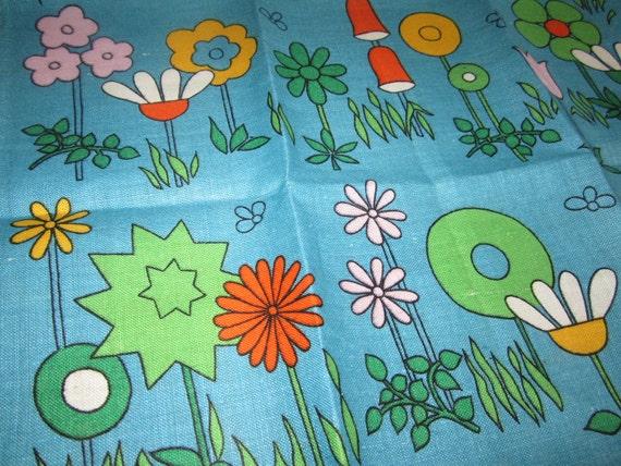 MOD Vintage Towel Flowers MINT