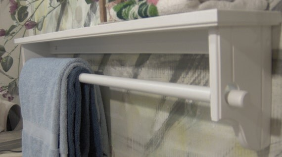 White 39 inch quilt removeable rod with shelf