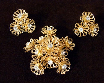 Vintage 50s Rhinestone and Gold Tone Flower Brooch and Earring Set by Coro