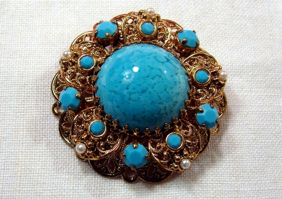 Vintage 1960's Turquoise Colored Cab Cut Beads Tiny Pearls Gold Tone Filigree Brooch