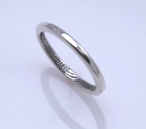 Custom fingerprint wedding band in 2mm