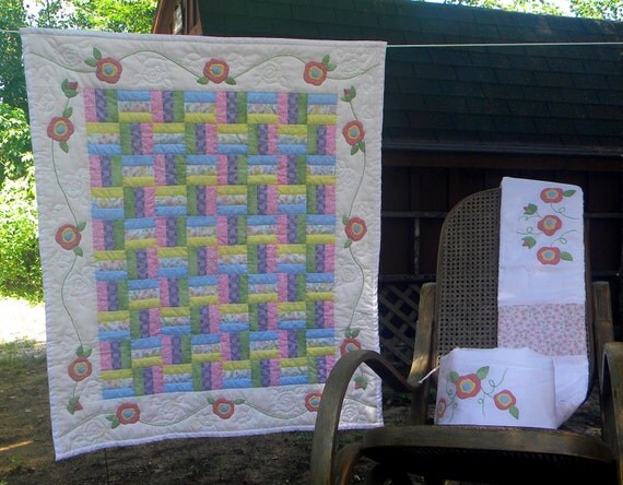 Heirloom Baby Quilt, Pastel Applique Roses, 40x32 inches
