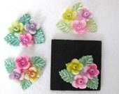 Vintage Plastic Cabochon, Flower Bouquet Triangle, Japan, Hand Painted, 20x17mm pcb0109 (4)