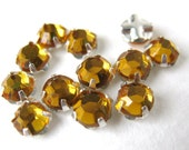 Vintage Rose Montees. Topaz Jewels Sew Ons, Beads or Buttons 5mm vgb0309 (12)