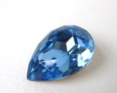 Vintage Glass Rhinestone Light Sapphire Pear Jewel Faceted Foiled 25x18mm rhs0228 (1)