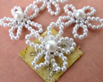 Vintage Bead. Flower Pearl Charm Daisy Trim Plastic Japan 25mm vpb0047 (4)