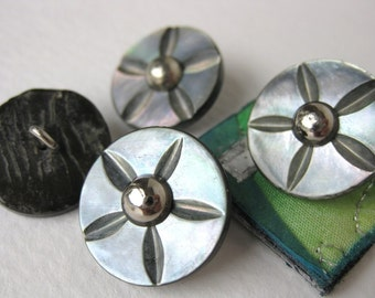 Vintage Buttons Mother of Pearl Flower Star Carved Grey Shank 20mm 3/4 inch but0088 (4)