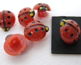 Vintage Buttons Red Ladybugs Plastic Painted Japan Shank 1/2 inch but0078 (6)