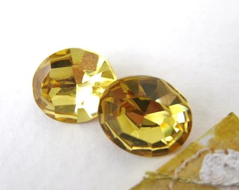 Vintage Rhinestone Swarovski Crystal Light Topaz Jewel Oval 12x10mm swa0119 (2)