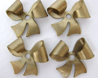 Vintage Brass Stamping Bow Finding Charm 18mm vfd0184 (4)