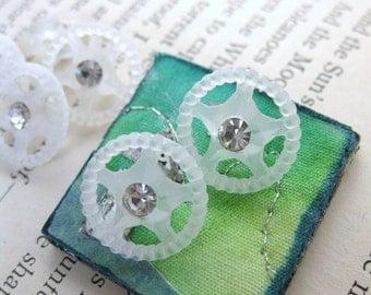 Vintage Rhinestone Buttons Crystal Matte Stars Plastic Shank but0156 (6)