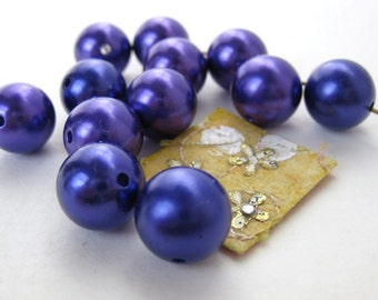 Vintage Lucite Beads Purple Pearlized 12mm Round vpb0054 (15)