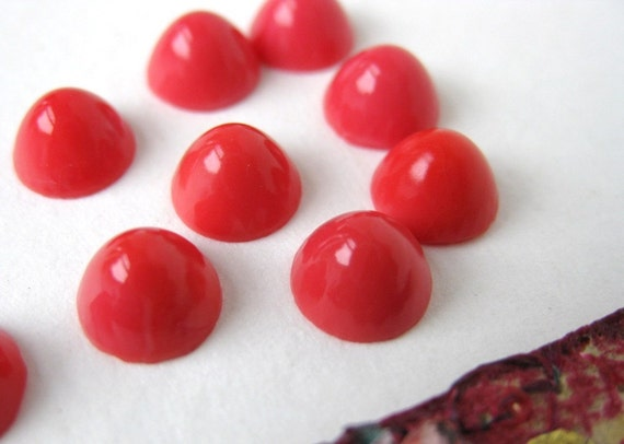 Vintage Glass Cabochon. Red Coral Domes, Retro Color 7mm gcb0332 (12)