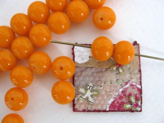 Vintage Beads. Tangerine Orange Glass, Japan, 8mm vgb0269 (18)