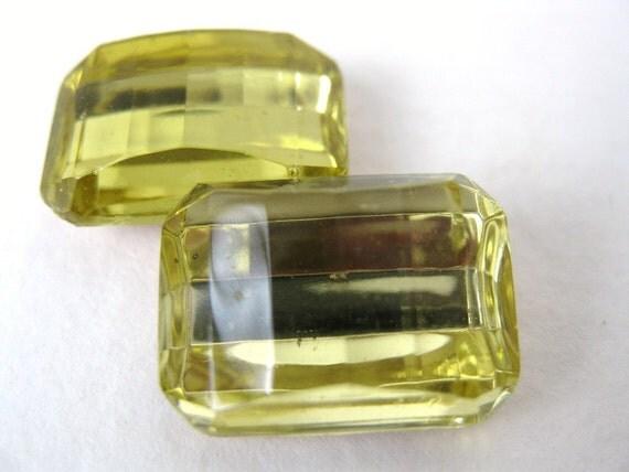 Vintage Glass Rhinestone Jewel Jonquil Octagon Fancy 18x13mm rhs0226 (2)