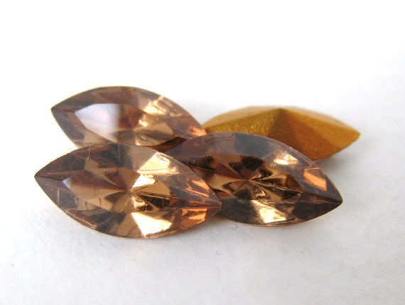 Vintage Swarovski Crystal Rhinestone Light Smoked Topaz Navette Jewel 15x7mm swa0193 (4)