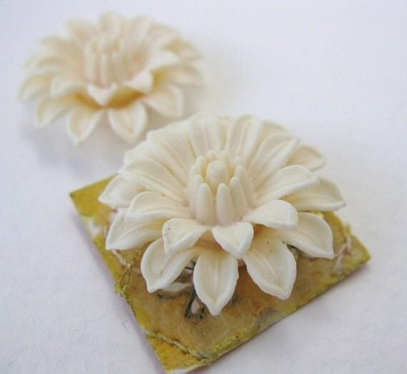 Vintage Flower Cabochon Ivory Plastic Dahlia 25mm pcb0195 (2)