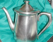 Great Retro ONEIDA Stainless Steel 18 8 Teapot holds 8 cups