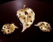 Vintage signed LISNER rhinestone Leaf demi Brooch & Earrings
