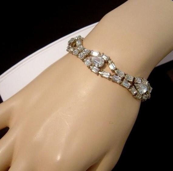 Beautiful vintage Rhinestone Bracelet Prom or Bridal party
