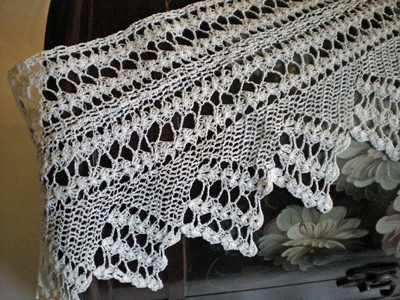 Vintage Cream Colored Wide Lace