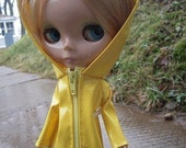 Last One - YELLOW Raincoat for Blythe, waterproof