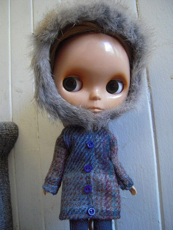 SALE Vintage Wool Winter Coat for Blythe with Rabbit Fur Trim 2