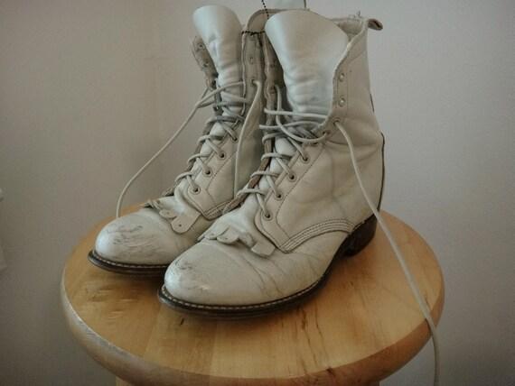 Vintage Laredo Cream Granny Boots Size 6.5 USA