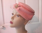 Sophisticated 1940s Pink Wool Felt Turban Style Hat with Rhinestone Brooch