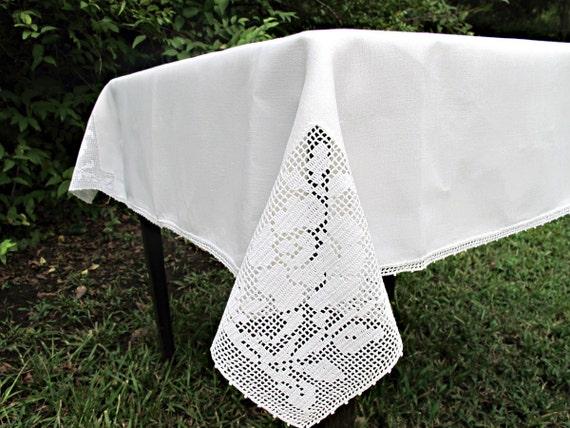 Vintage 1950s Bridge Tablecloth, Linen and Filet Rose Crochet, Card Table Size
