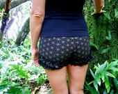 Extra Small - Black and Gold Flower of Life Ruffle Shorts - Bloomers - Bootie Shorts - Underwear