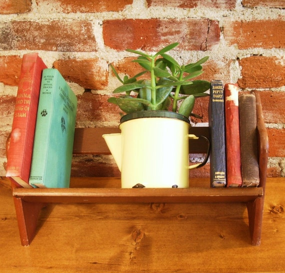 Vintage wood book shelf table top portable by vitalvintage for Portable book shelves