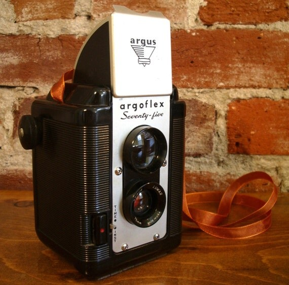 Argus Seventy-Five 75 with Case & Flash- Twin Lens Reflex Great for TtV