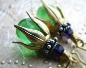 Glass beads and vintage raw brass earrings - Wonderland