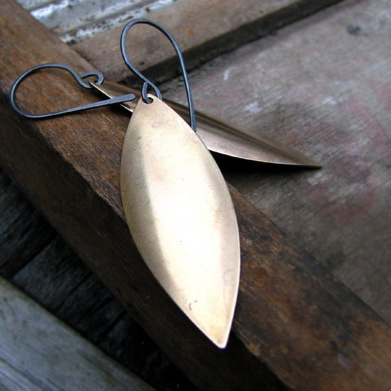 Minimalist earrings vintage brass leaf and sterling silver modern and earthy - On the Edge