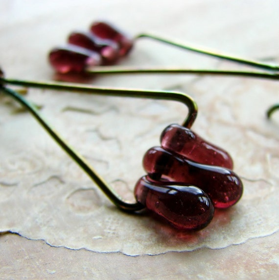 Brass triangle earrings organic shape glass beads minimalist boho - Swing in plum