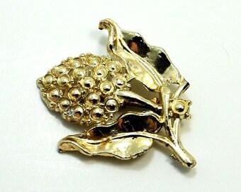 Vintage Hydrangea Flower Brooch Pin