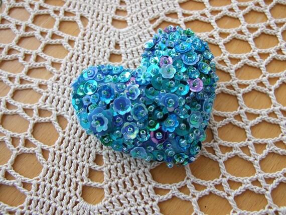 Beautiful Green / Blue Sequin Heart Shaped Pin