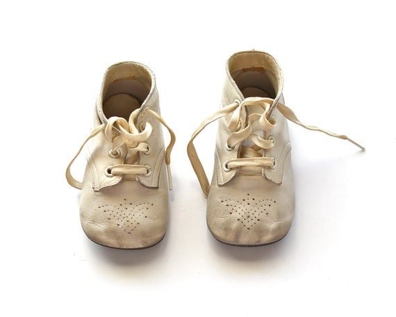 Baby Steps - Vintage Ideal Leather Lace Up Baby Shoes