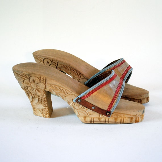 70s Tropical Tribe Hand Carved Solid Wood & Gold Leather Clog Sandals W Baby Blue N Orange Zigzag Piping 5