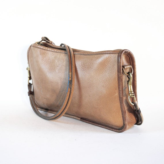 70s COACH Basic Bag. Camel Leather Double Strap Cross Body Zip Purse.